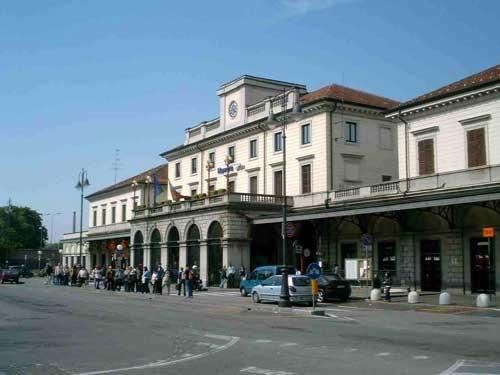 stazione treni Novara